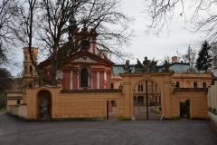 vstupní brána zámku Odlochovice