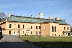 zámek Odlochovice_malé nádvoří (1)